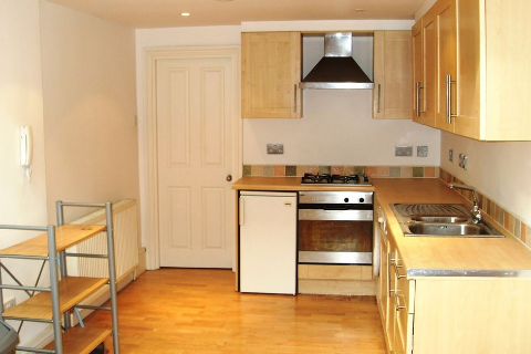 2 Bedrooms Apartment in Hackney , Hackney E9 5LN