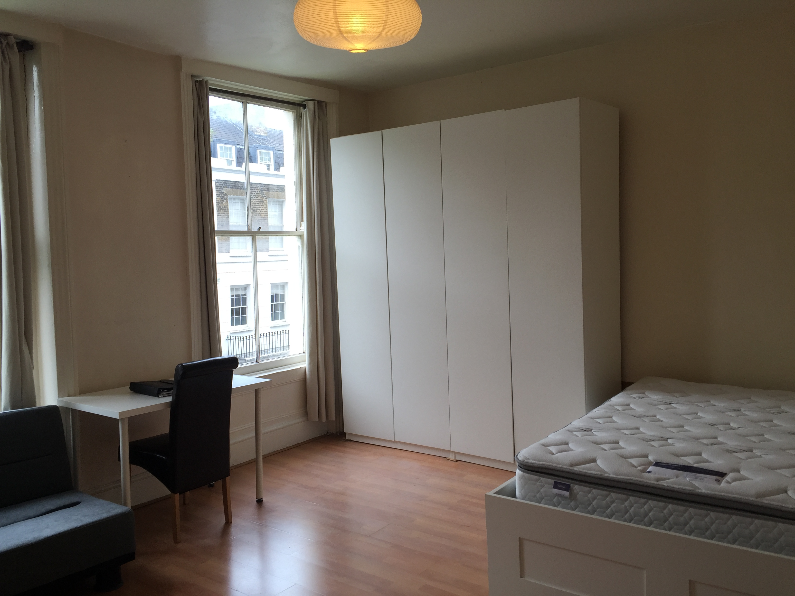 Studio Apartment Studio in ST Peters Street, Angel N1 8JR